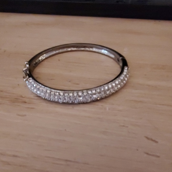 Lia Sophia Jewelry - Lia Sophia crystal bracelet
